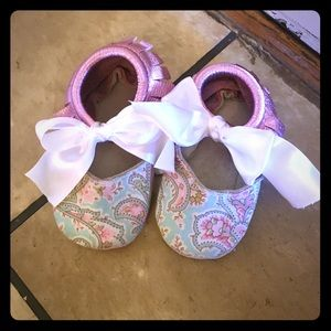 Other - Paisley & Metallic Pink Moccasins